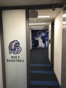 Velkommen til Drake Basketball.